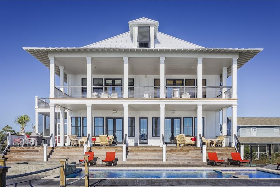 exterior-design-large-home-389271_1280 (1)