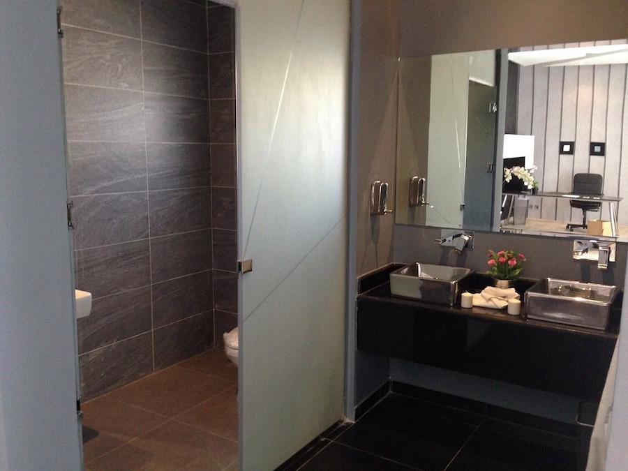 property-bathroom-437210_1280